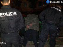 polícia zatknutir naháňačka