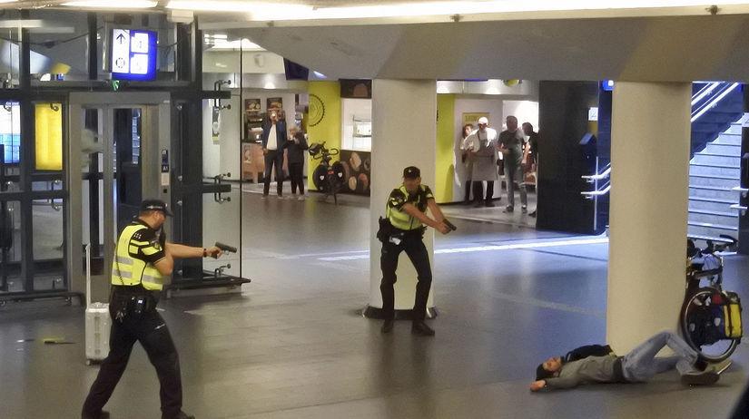 Holandsko / Amsterdam / Afganec / polícia /...