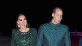 BRITAIN-ROYALS/Princ William a jeho manželka Kate, vojvodkyňa z Cambridge. Ona v kreácii od Jenny Packhamovej, on v šatách od lokálneho dizajnéra Naushemiana.