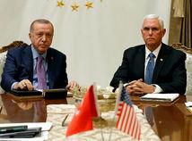 USA a Turecko sa dohodli na prímerí v Sýrii, boje však pokračujú