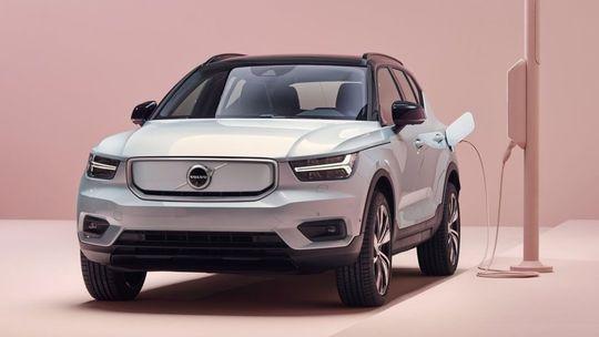 Volvo XC40 Recharge: Prvý elektromobil má 304 kW a dojazd 400 km