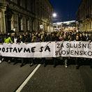 Pochod iniciatívy Za slušné Slovensko podporili v Bratislave tisíce ľudí
