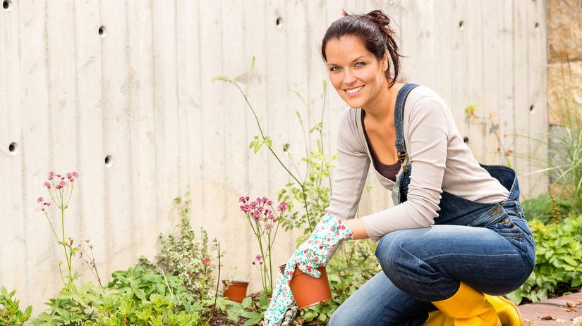 žena, záhrada