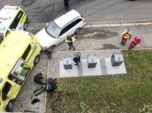 nórsko, oslo, sanitka, zatýkanie, polícia