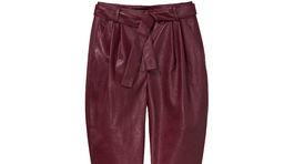 Dámske nohavice z umelej kože Mohito, predávajú sa za 34,99 eura.