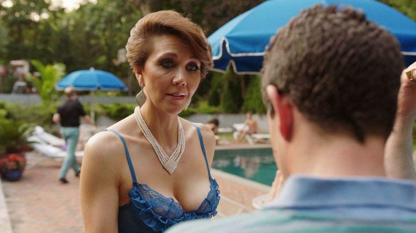 Herečka Maggie Gyllenhaal v jednej zo scén...