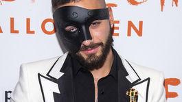 Spevák Maluma na halloweenskej párty modelky a televíznej osobnosti Heidi Klumovej v New Yorku.