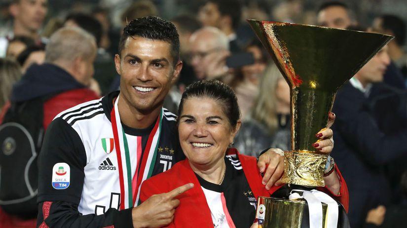 Cristiano Ronaldo, Dolores Aveirová