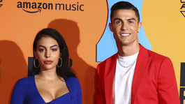 Futbalista Cristiano Ronaldo a jeho snúbenica Georgina Rodriguez.