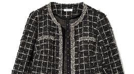 Chanelovské sako z buklé z dielne Reserved. Info o cene hľadajte v predaji.