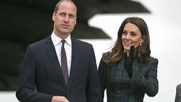 Pre vojvodkyňu Kate sú tmavé pančuchy často povinnosťou.