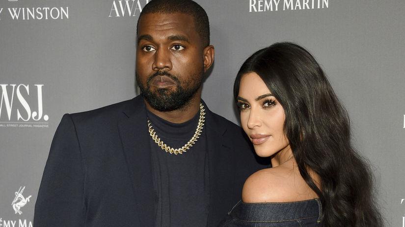 Raper Kanye West  jeho manželka Kim Kardashian...