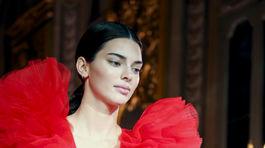 Tppmodelka Kendall Jenner na uvedení kolekcie Giambattista Valli x H&M v Ríme.