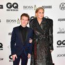 Americká herečka Sharon Stone prišla na akciu do Berlína v sprievode syna Roana Josepha Bronsteina.