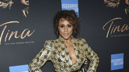 Deborah Cox na premiére novinky Tina: The Tina Turner Musical na Broadway.