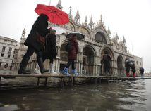 taliansko benátky voda záplavy turista  nám. sv. marka