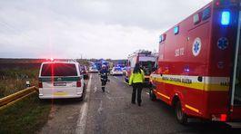 autobus, sanitka, cesta, nehoda