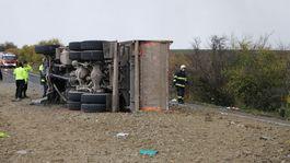nehoda kamión nákladné auto nitrianske hrnčiarovce