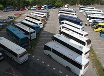 autobusy cestovanie doprava parkovisko