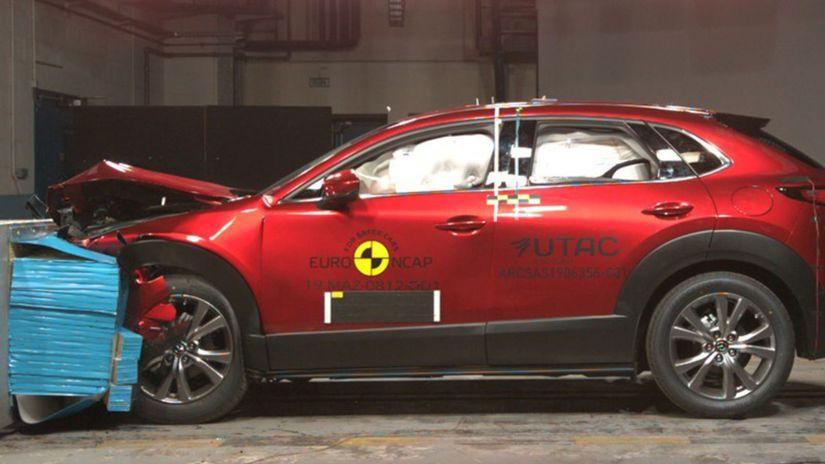 Mazda CX-30 crashtest