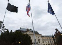 Slovensko si uctí obete nehody autobusu pri Nitre štátnym smútkom