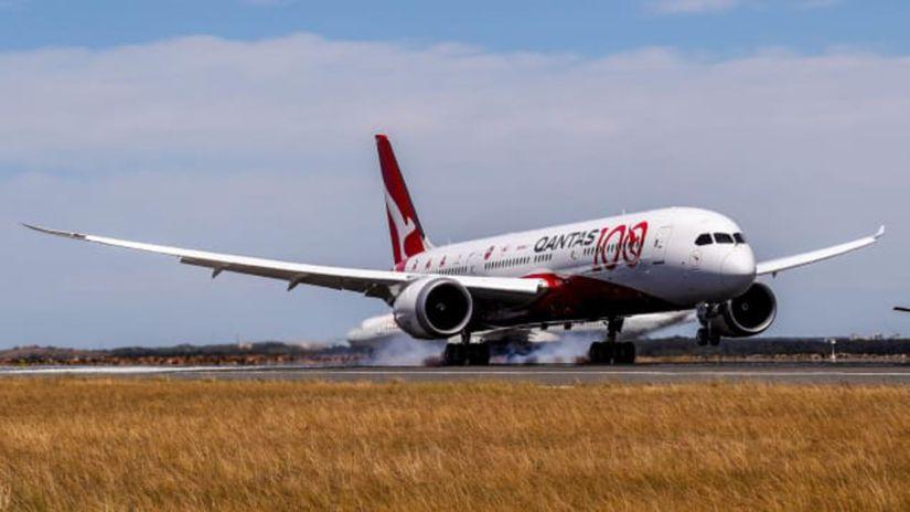 qantas-test-flight-landing-2