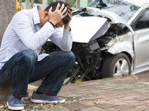 Poistky prudko zdražejú mladým šoférom