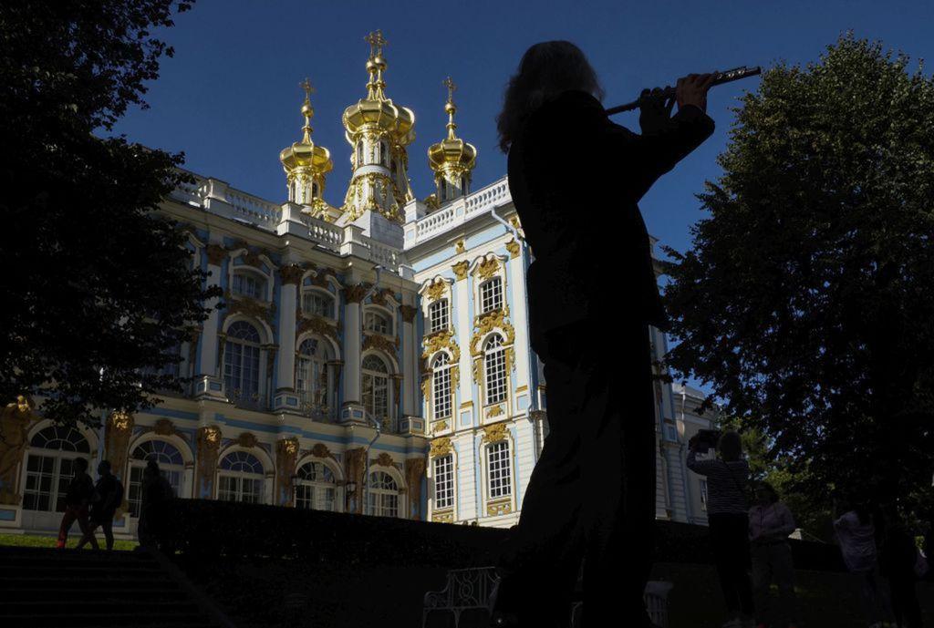 Rusko, flauta, Petrohrad