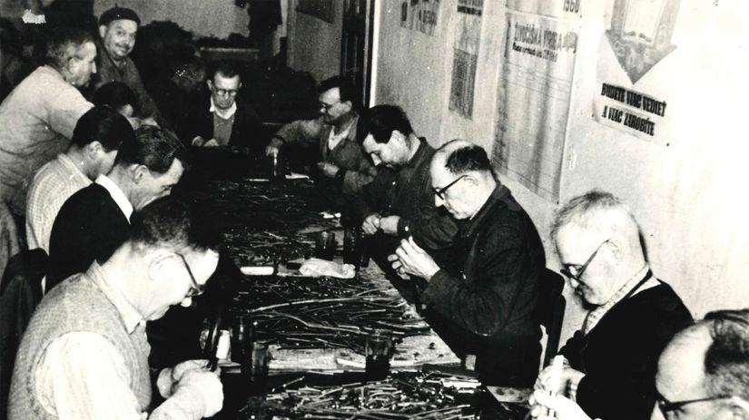Výroba štepov (1958).