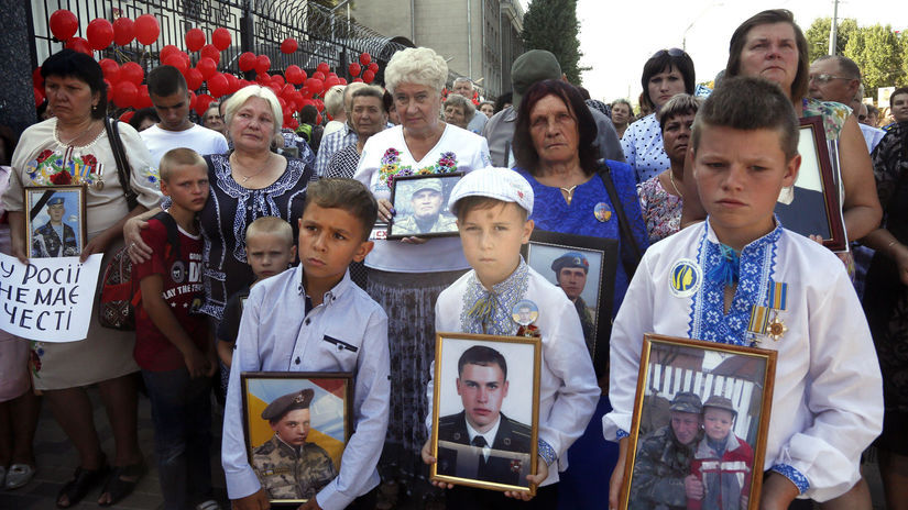 Donbas / Ukrajine / siroty /