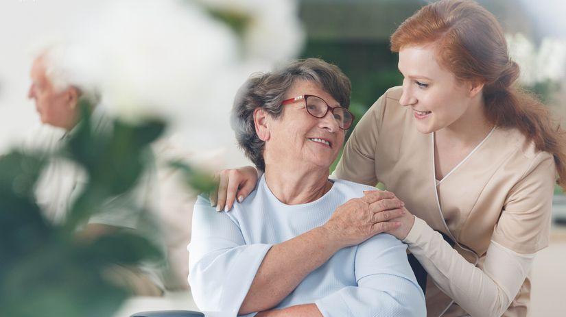 seniori, opatrovanie, invalidný vozík