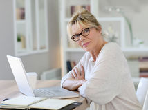 žena, notebook, kancelária, práca