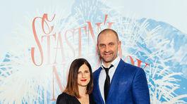 Herec Tomáš Maštalír prišiel na filmovú premiéru v sprievode svojej manželky.