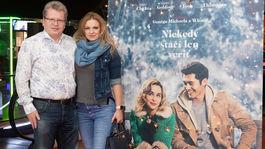Juraj Čurný a jeho partnerka Andrea prišli na premiéru spoločne.