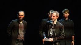 Michal Tornyai, Martin Lipták, Andrej Sarvaš a Miroslav Beňák prišli prevziať cenu Mladý tvorca za autorstvo a publikáciu Čiernych dier.