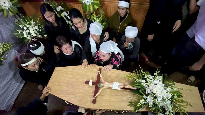 Vietnam telá obete pašovanie urna pohreb