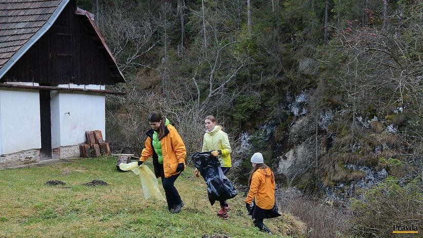slovenský raj, hornád, smeti, dobrovoľník. rieka