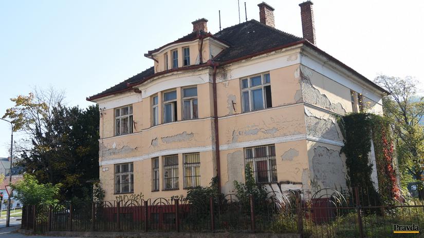 vila trenčín chátranie búranie dom vilka