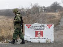 Ukrajina / Donbas / vojak / hliadka /