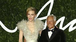 Dizajnér Giorgio Armani a jeho dlhoročná múza - herečka Cate Blanchett v kreácii Armani Privé.