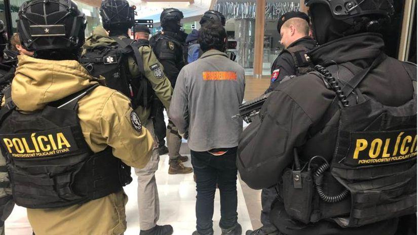 polícia, zásah, bomba, aupark