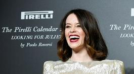 Herečka Claire Foy na uvedení kalendára Pirelli 2020 v talianskej Verone.
