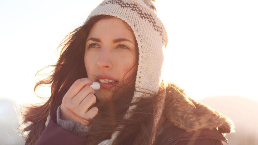 V chladnejšom období roka čelí naša pokožka...