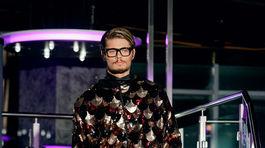 V rámci prehliadky Fera Mikloška s kolekciou na Jeseň/Zimu 2019/2020 sa odprezentovali aj tri mužské modely.