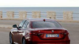 Alfa Romeo-Giulia-2020-1024-05
