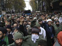 Irán protesty Chameneí potlačenie