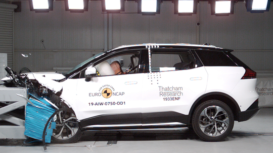 Euro NCAP: Bratislavské elektromobily zlyhali. A Golfu sa zas otvorili dvere!
