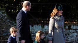 Princ William, jeho manželka Catherine, vojvodkyňa z Cambridge, ich deti - princ George a princezná Charlotte. Ukážková rodinka.