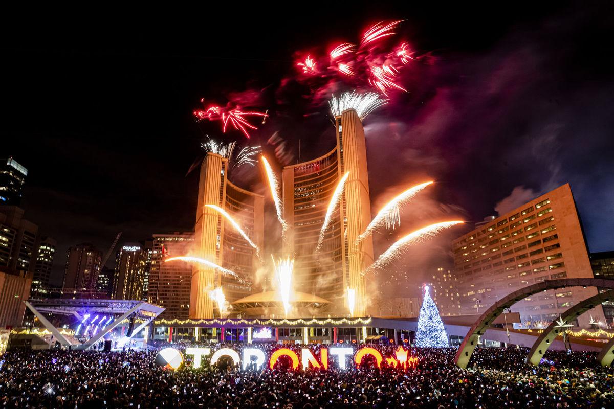 Kanada Nový rok oslavy Toronto 2020 ohňostroj