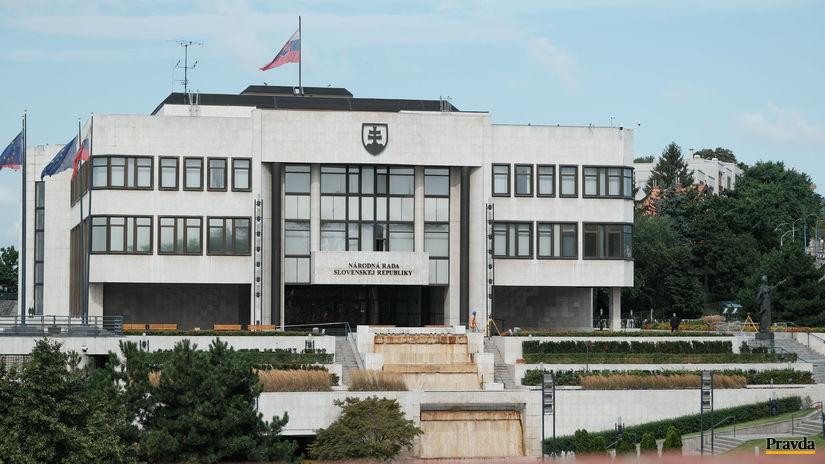 NR SR, parlament,